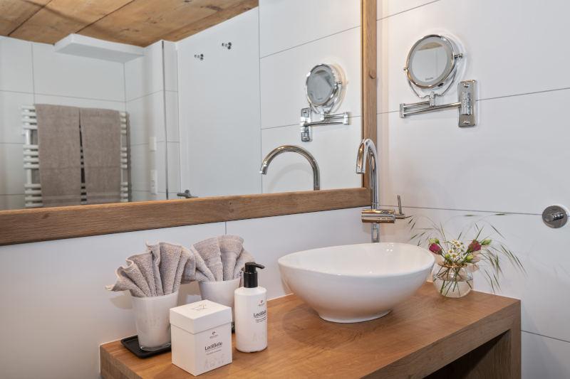 Wellnesswochenende in der Schweiz im Appenzell - Boutique Hotel Bären Gonten - Doppelzimmer originell, Bad